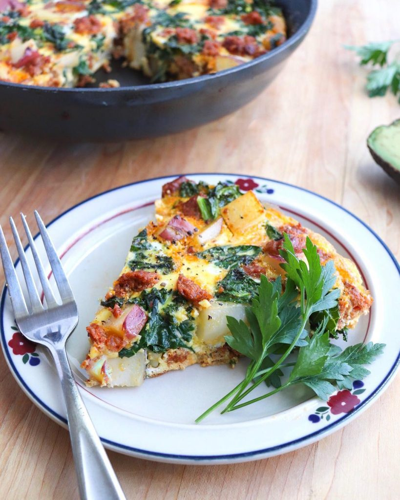 A delicious and easy Whole30 compliant frittata made with chorizo sausage, kale, and potatoes.